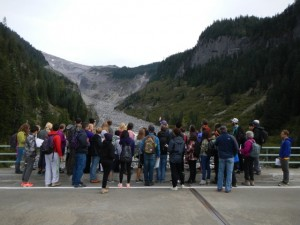 The Rivers & Beaches class learns about grain-size in rivers downstream of the Nisqually Glacier at Mt. Rainier
