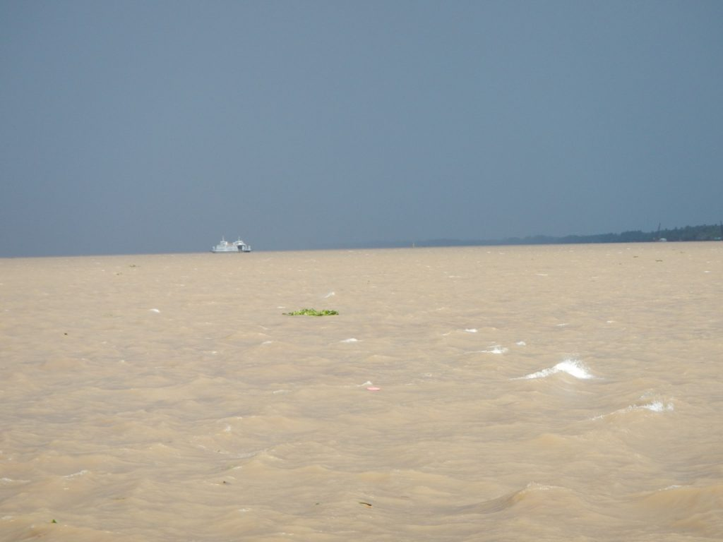 The muddy Sai Gon River